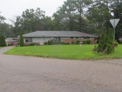 1403 Rosewood Dr Montgomery, AL 36111