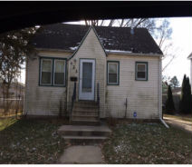 423 Center St Waterloo, IA 50703