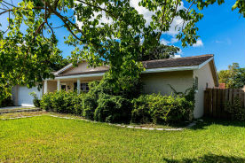 2444 Nw 86th Ave Coral Springs, FL 33065