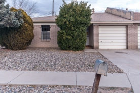 224 Avalon Pl NW Albuquerque, NM 87105