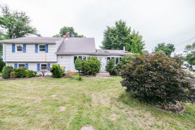 16 Hadler Dr Somerset, NJ 08873
