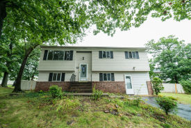 3 Tall Oaks Rd Somerset, NJ 08873