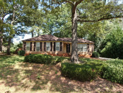 4901 CANDLEWYCK LANE Greenville, SC 29615