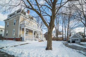 11 Winter St Unit 1 Amesbury, MA 01913