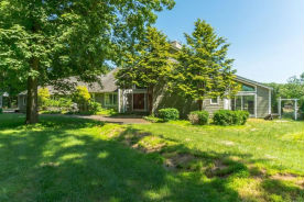 4 Erick Ct Chester, NJ 07930