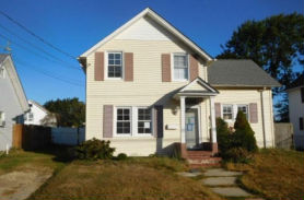 9 S UNION ST Bay Shore, NY 11706