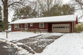 132 S Morningside Dr Le Sueur, MN 56058