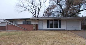 10751 HALLSTEAD DR Saint Louis, MO 63136