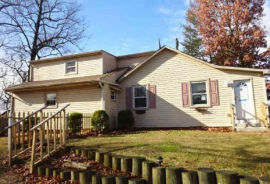 28 E 4TH AVE Pine Hill, NJ 08021