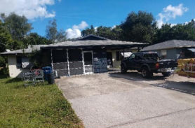 5623 5625 18TH ST W Bradenton, FL 34207