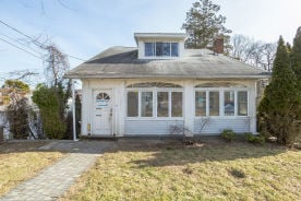 20 Clover St Yonkers, NY 10703