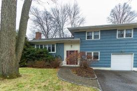418 Stratton Rd New Rochelle, NY 10804
