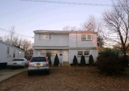 242 Hilltop Dr Brentwood, NY 11717