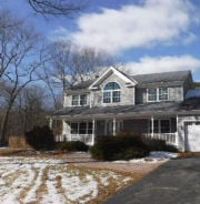 8 Farmhouse Dr Ridge, NY 11961