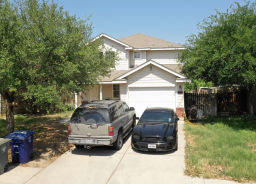 17413 COLLEGE PORT DR Laredo, TX 78045
