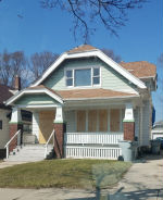 2336-8 W Finn Pl Milwaukee, WI 53206
