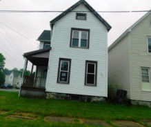 14 Spring St Johnstown, NY 12095