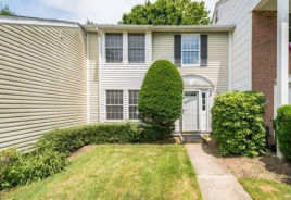 68 Federal Ln Coram, NY 11727