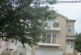 28-30 Freeman St Newark, NJ 07105