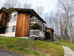 2 COUNTRY SQUIRE DR E Cromwell, CT 06416