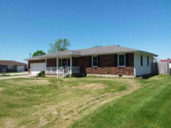 203 SHELLY BLVD Lincoln, MO 65338
